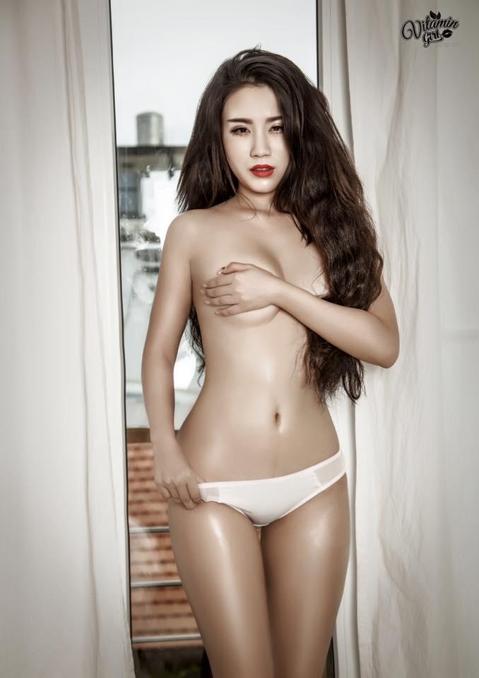 Nhắc đến hot girl ngực khủng, eo thon thì không thể thiếu cô nàng Linh Miu
