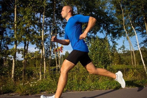 Thường xuyên tập luyện thể dục thể thao để cải thiện tình trạng xuất tinh sớm triệt để